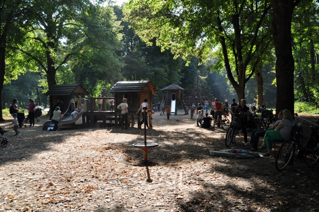 Spielplatz neben Lindenthaler Tierpark