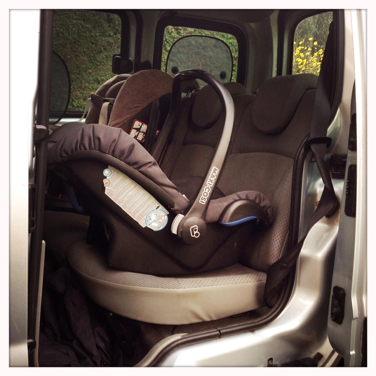 Maxi Cosi im Auto